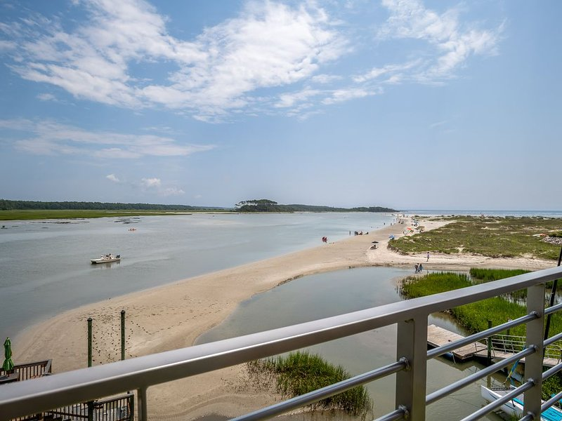 The Shanty: Gorgeous Home on 'the Point' of Cherry Grove at Hog Inlet, holiday rental in North Myrtle Beach