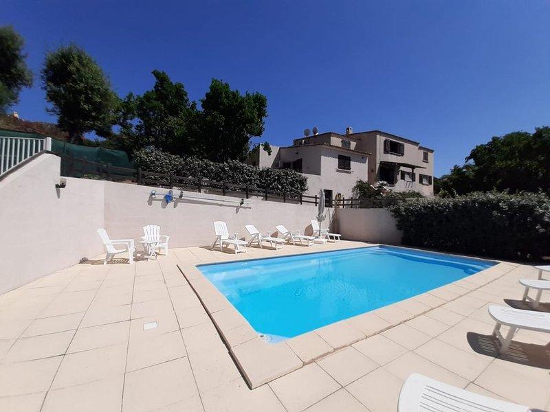 Appartements rez de jardin, vue sur piscine., alquiler de vacaciones en Sainte Lucie de Porto-Vecchio