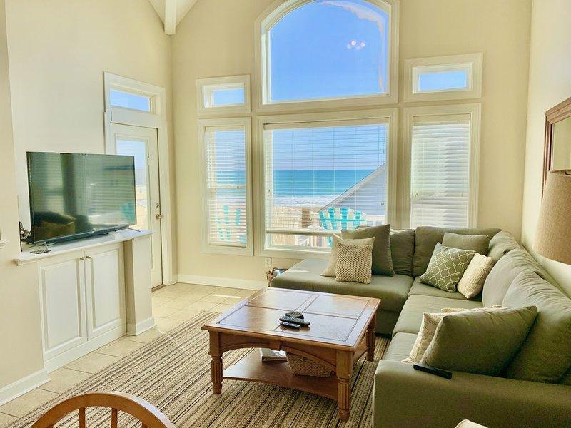 Oceanview Townhome - Pool, Wifi, 5 Flat Panel TVs, alquiler de vacaciones en Holly Ridge