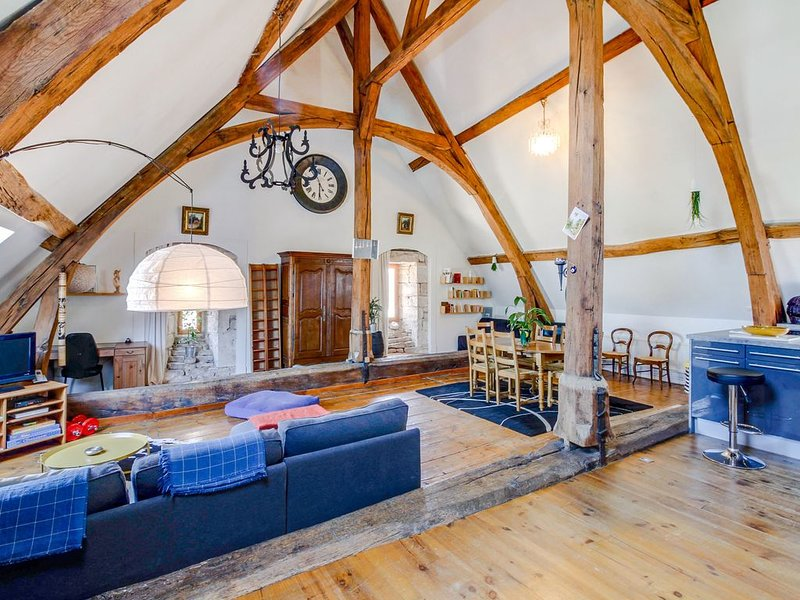 Loft historique au ❤ de ville jusqu'à 8 personnes, alquiler de vacaciones en Beaune