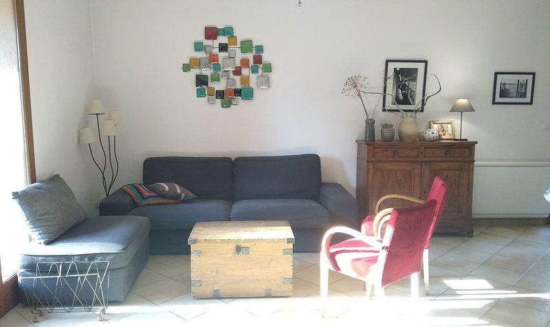 8 personnes, maison familiale au calme avec jardin 1000m2, location de vacances à Draguignan