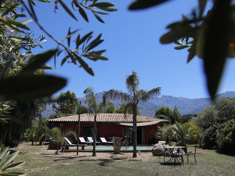 Maison 'éco' au calme et en pleine Nature  avec piscine privative chauffée, holiday rental in Montegrosso