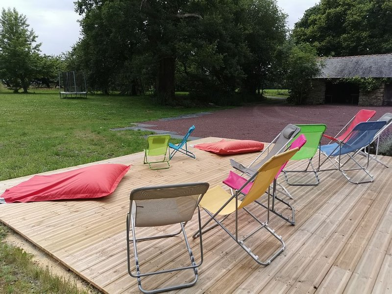 Grande longère authentique en Brocéliande : au calme verdoyant, holiday rental in Monterfil