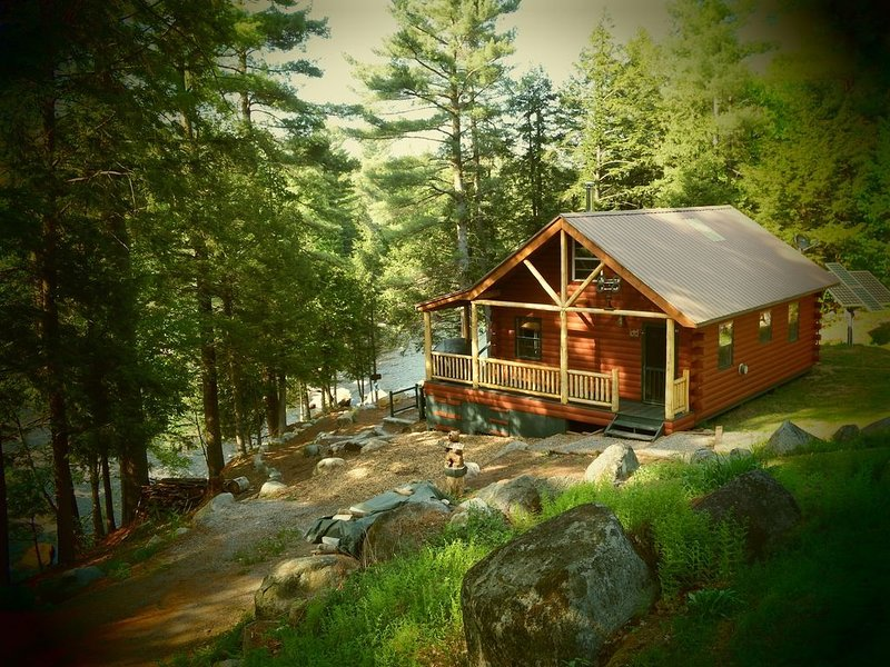 Adirondack/ Oswegatchie Riverfront Cabin, holiday rental in Star Lake