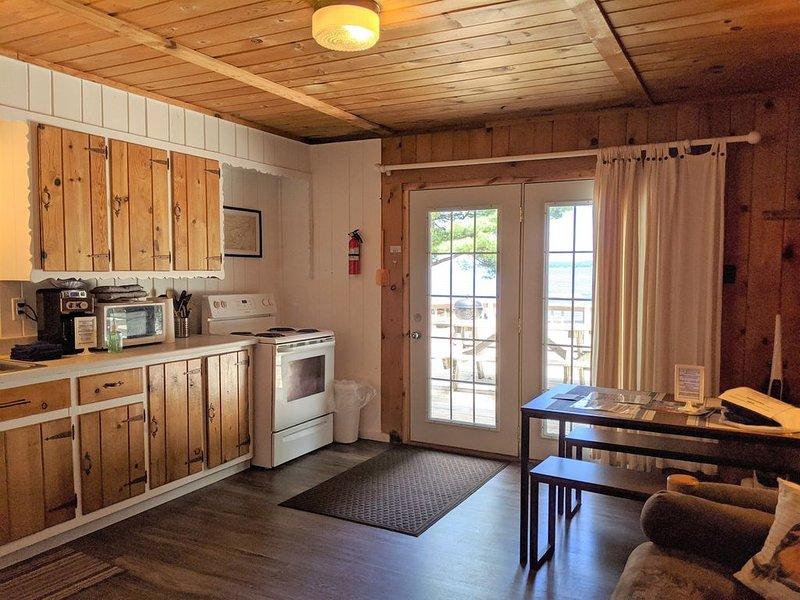 Fox's Hole - Unit 11 - POV Resort Cabins - Fox's Hole - Unit 11   Social Distanc, holiday rental in Watersmeet