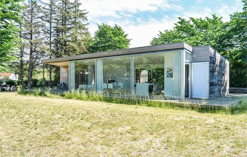 3 Zimmer Unterkunft in Dronningmølle, holiday rental in Fredensborg Municipality