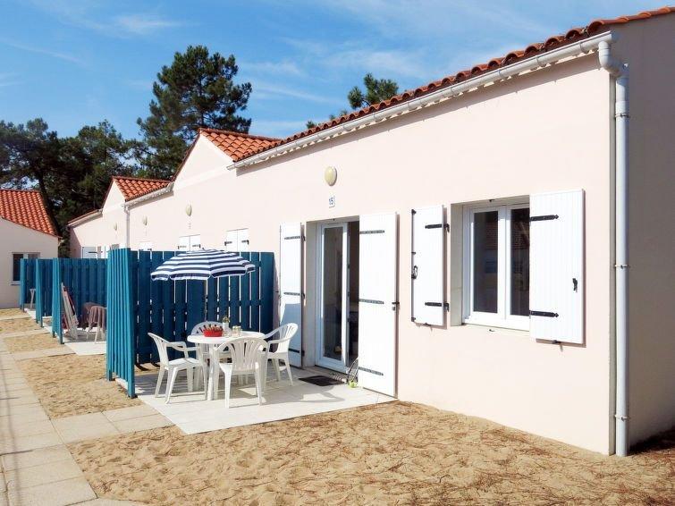 Ferienhaus Atlantique Maison T2 Cabine (SHR202) in Saint Hilaire de Riez - 4 Per, holiday rental in Saint-Hilaire-de-Riez