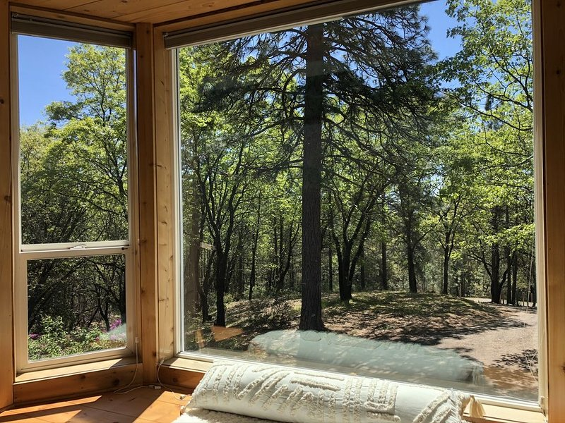 Spacious, private outdoor lovers' paradise!, holiday rental in Pollock Pines