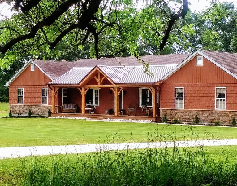 A country lodge with a peaceful setting, vacation rental in Wilmington