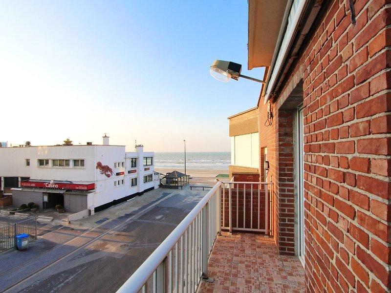 Joli appartement avec balcon et vue sur mer, vacation rental in Dunkirk