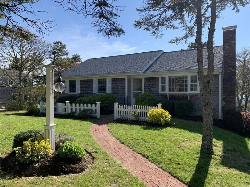 Immaculate House - Walking distance to Ridgevale Beach, alquiler vacacional en Chatham