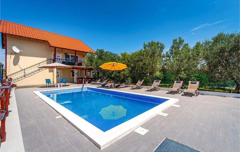 5 Zimmer Unterkunft in Suhovare, location de vacances à Suhovare