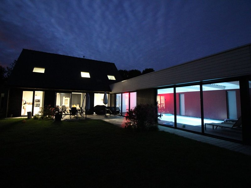Fouesnant-Beg Meil -  villa piscine intérieure – semesterbostad i Fouesnant