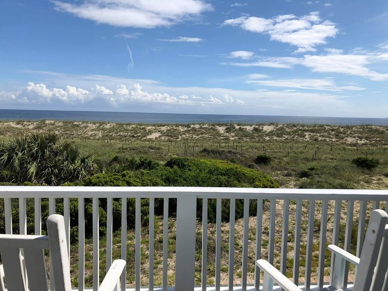 NEW LISTING! Inn Denial - Killegray Ridge's finest oceanfront offering!, vacation rental in Bald Head Island