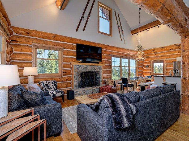 Big Sky Vacation Rentals: Powder Ridge Cabin Little Shadow 7, holiday rental in Big Sky