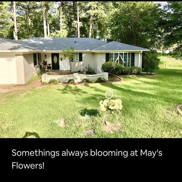 May's Flowers, holiday rental in Tyler