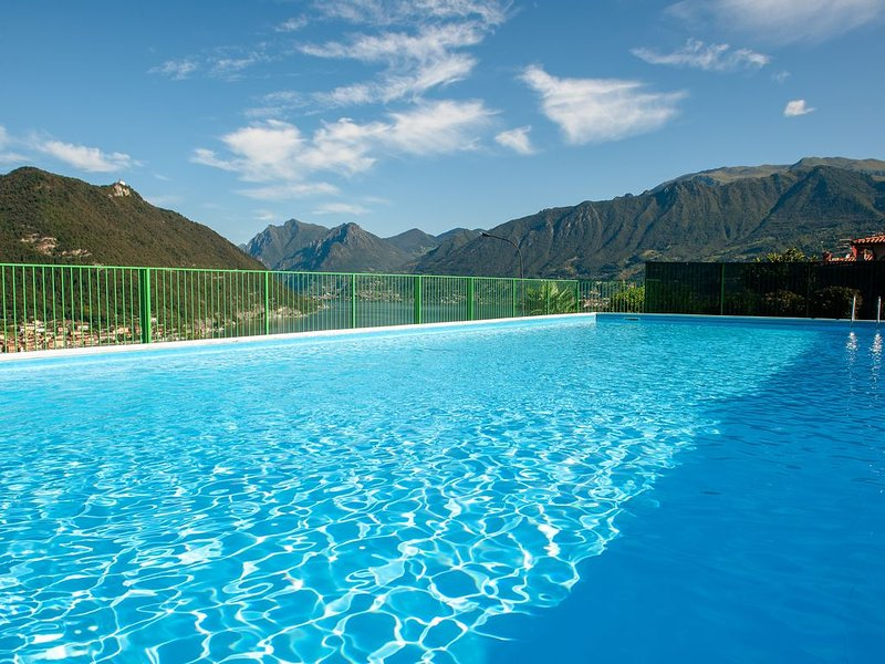 LAKE VIEW 30    017182-CNI-00061, holiday rental in Peschiera Maraglio