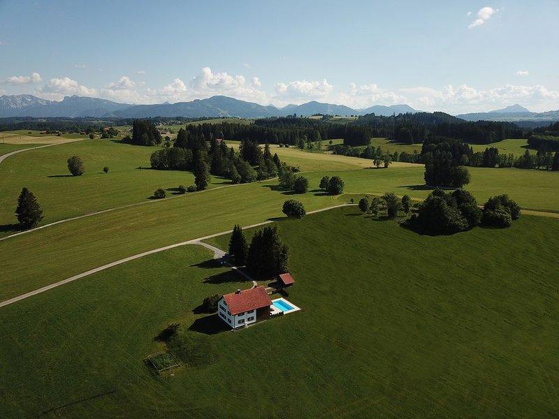 Die Kuh ist Dein Nachbar, holiday rental in Nesselwang
