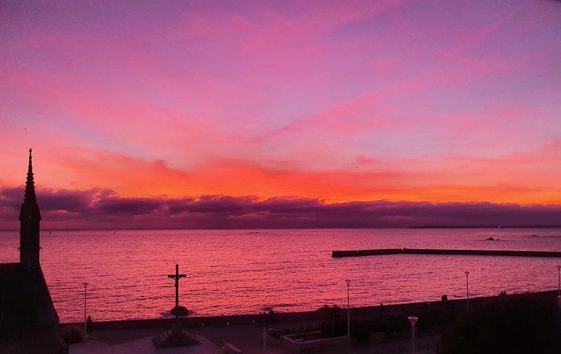 LE PHARE DE LA CROIX pleine vue mer, centre ville et plages à pied, aluguéis de temporada em Concarneau