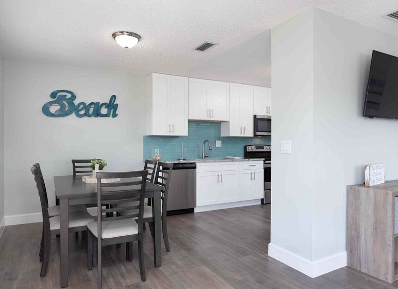 Paradise Beach-Side Vacation Oasis, holiday rental in Indialantic