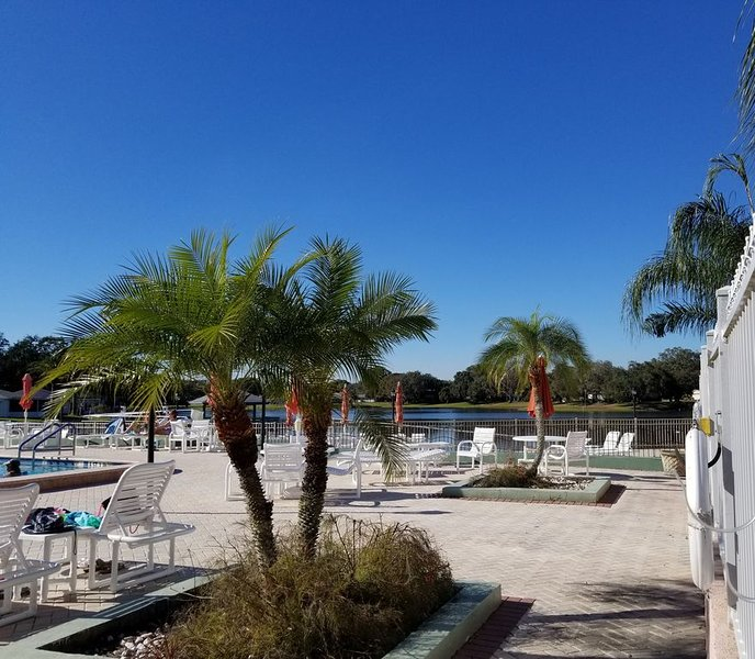 PERFECT VACATION PROPERTY, 2 BEDROOM HOME TRANQUIL SETTING, CLOSE TO EVERYTHING, alquiler de vacaciones en Port Richey