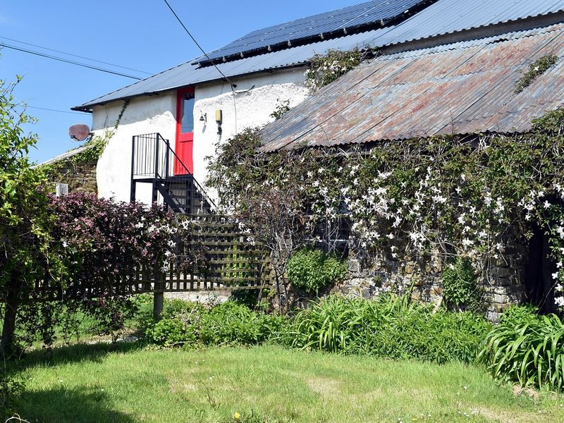 'The Granary' in glorious Devon countryside, sleeps up to 6 people, vacation rental in Knowstone