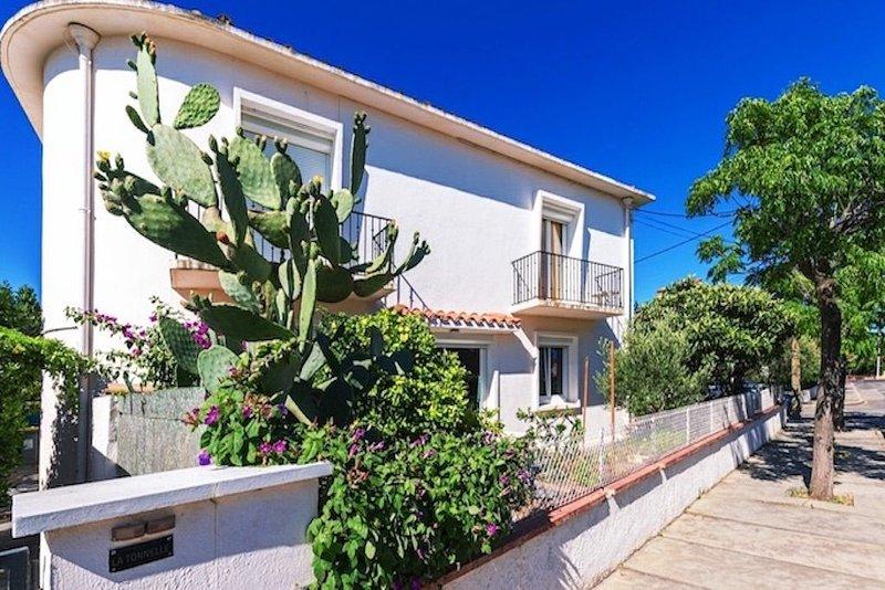 Jardin et... Plage à 2 pas!, holiday rental in Canet-en-Roussillon