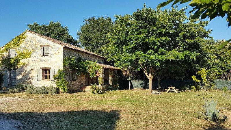 Proche d'Uzès,  la sérénité de la garrigue provencale, holiday rental in Valliguieres