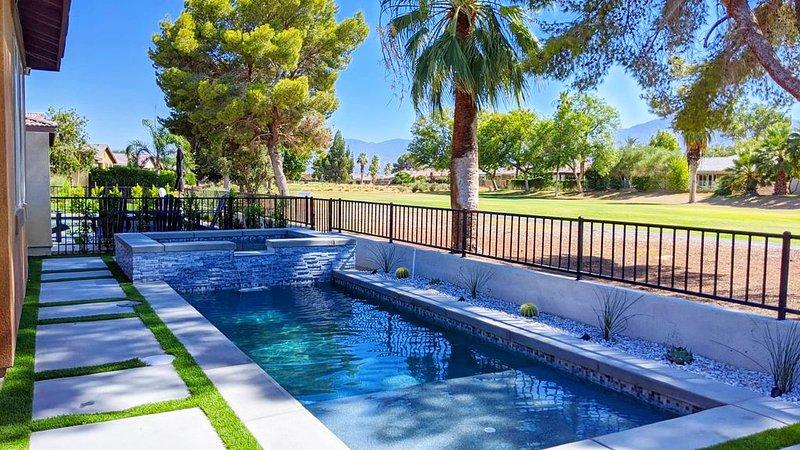 Cosmo Azul House- Walk to Coachella/Stagecoach, holiday rental in Coachella