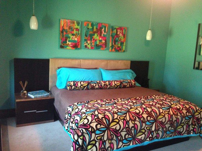 OK40 Ranch Hacienda Bed & Breakfast, RETRO Bedroom, holiday rental in Bixby
