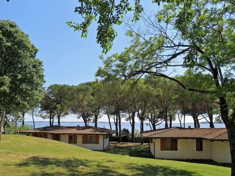 Ferienhaus Belvedere Pineta (GDO200) in Grado - 6 Personen, 2 Schlafzimmer, holiday rental in Ronchi dei Legionari