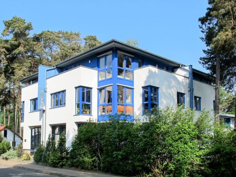 Apartment Strandvilla  in Lubmin, Baltic Sea: Mecklenburg - 4 persons, 2 bedroo, vacation rental in Alt Jargenow