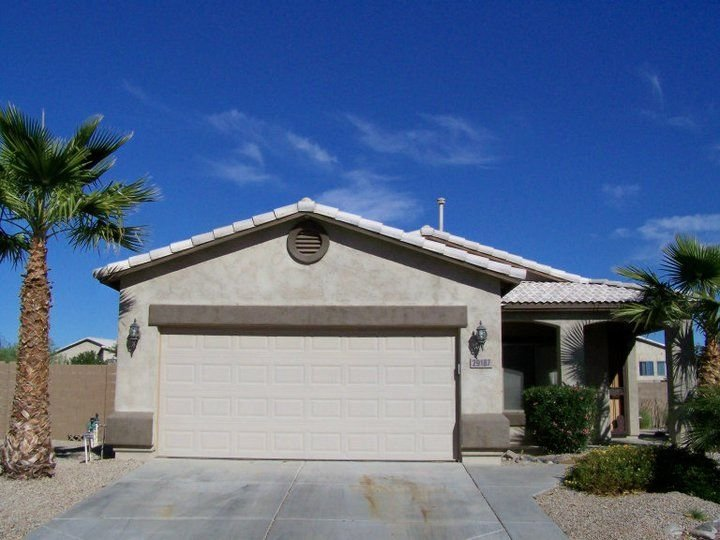 Beautiful Outdoor patio with private Pool on a Golf Course, 1600 Sq.Ft Bungalow, vacation rental in San Tan Valley