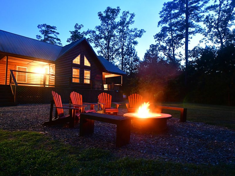 The Wild Buck, A secluded cabin that borders the National Forest, holiday rental in Broken Bow