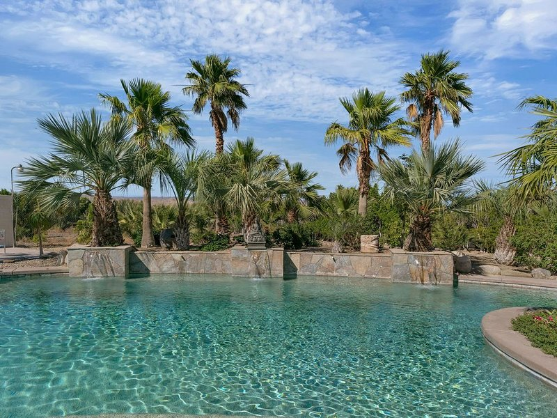 the Jack Estate: Stunning 11 Bedroom, 8 Bathroom Estate Home, holiday rental in Thousand Palms