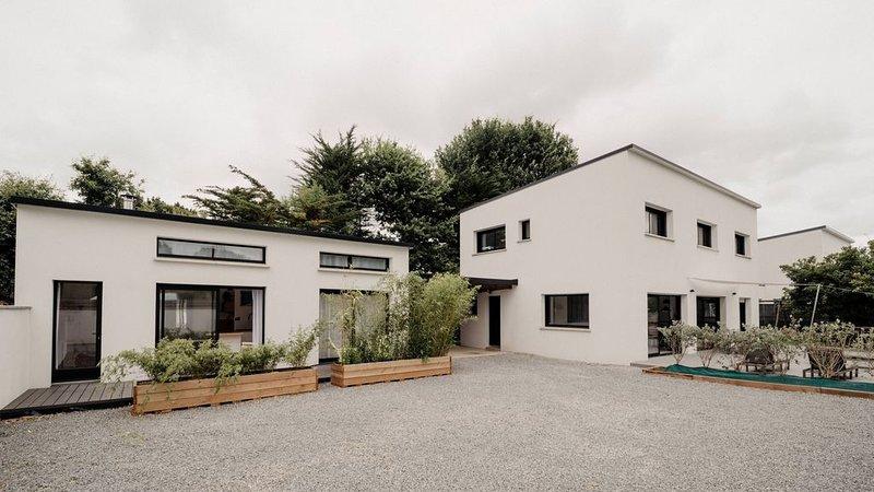 Villa contemporaine 160m2 + maisonnette indépendante 35 m2, alquiler de vacaciones en Sulniac