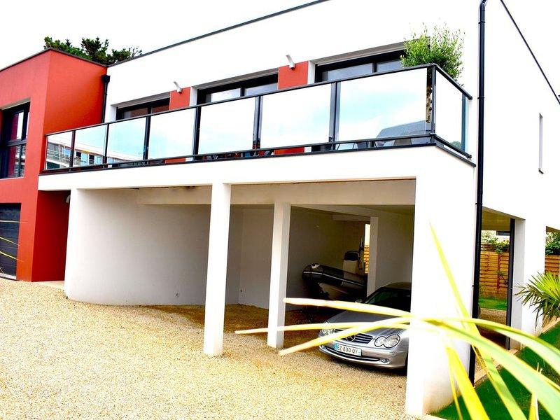 Maison neuve sur pilotis 30m de la plage magnifique vue mer, casa vacanza a Pordic