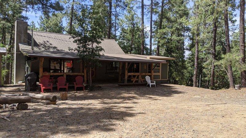 Family Friendly Cabin Near Lynx Lake, casa vacanza a Crown King
