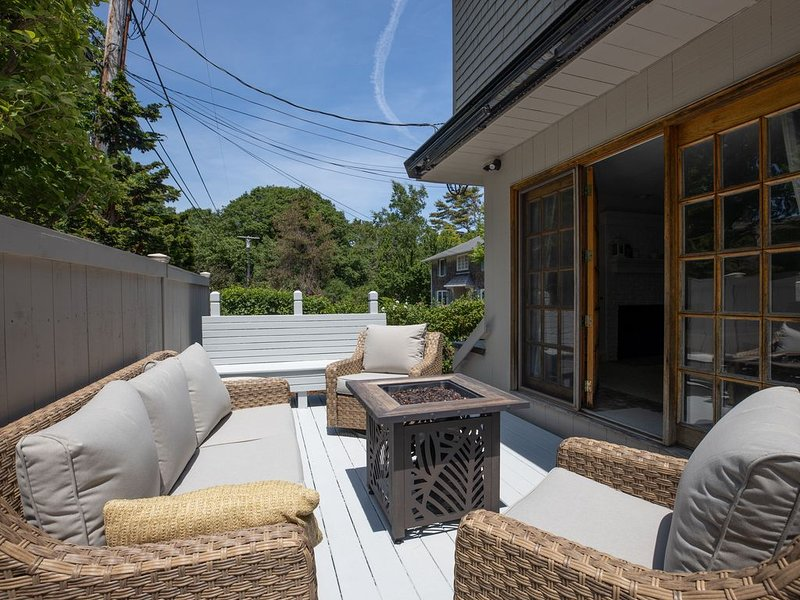 Steps to mother's beach- Kennebunk!, holiday rental in Kennebunk