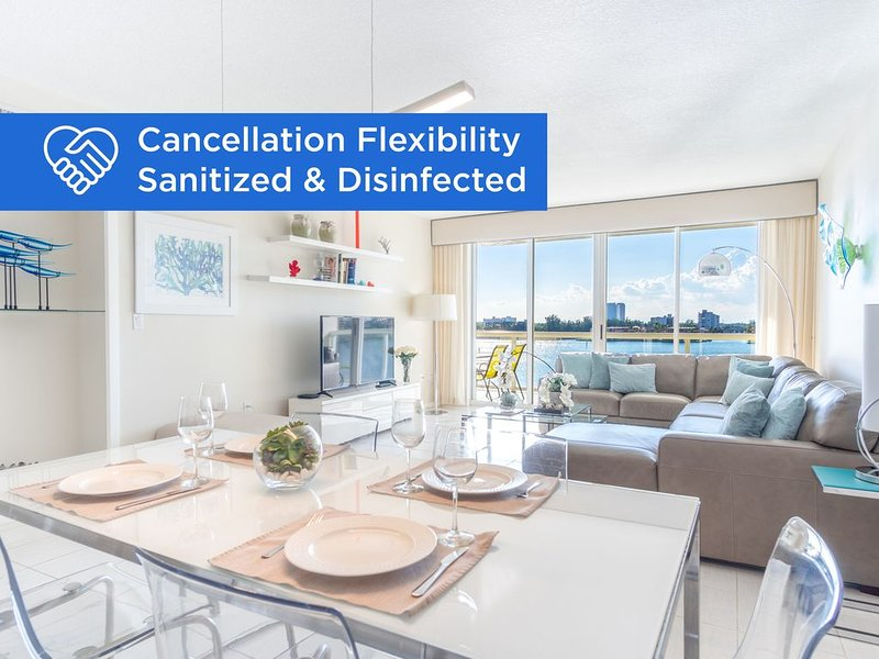 Comfortable condo with amazing bay views | WIFI + Parking, vacation rental in Sunny Isles Beach