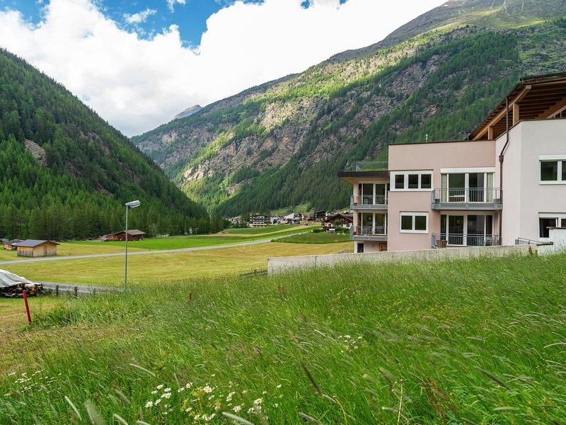 Appealing Apartment in Zwieselstein with Skiing Nearby, holiday rental in Zwieselstein