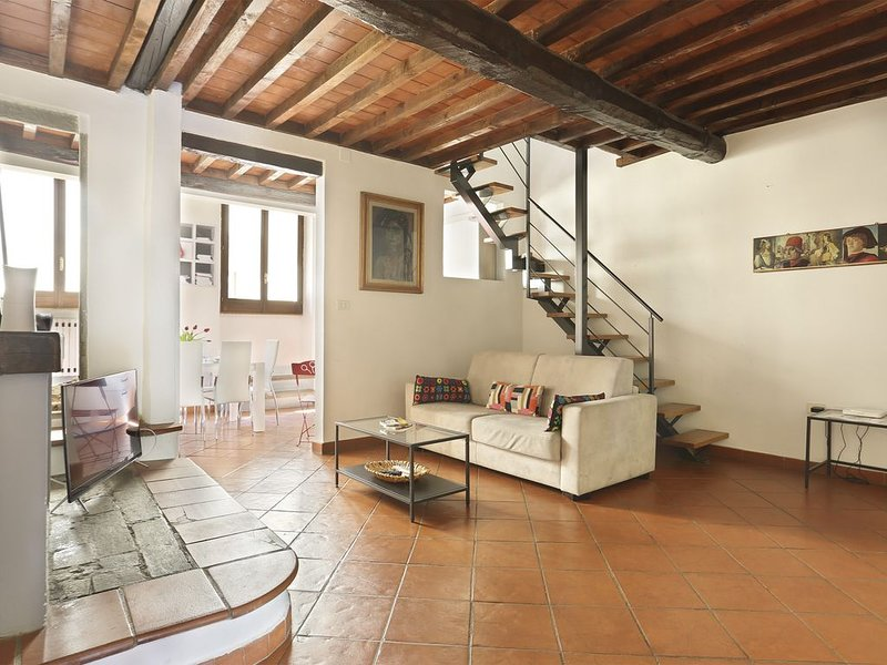 TORNABUONI Apartment in the heart of Florence!, vacation rental in Florence