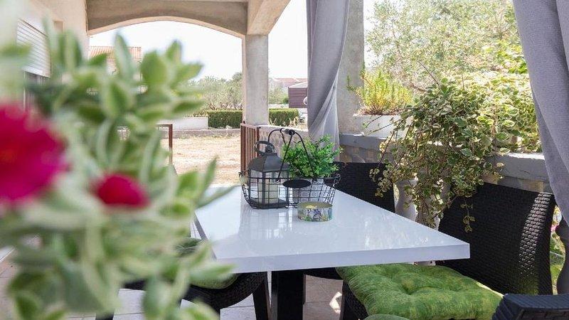 Ferienwohnung Privlaka für 4 Personen mit 2 Schlafzimmern - Ferienwohnung, holiday rental in Privlaka