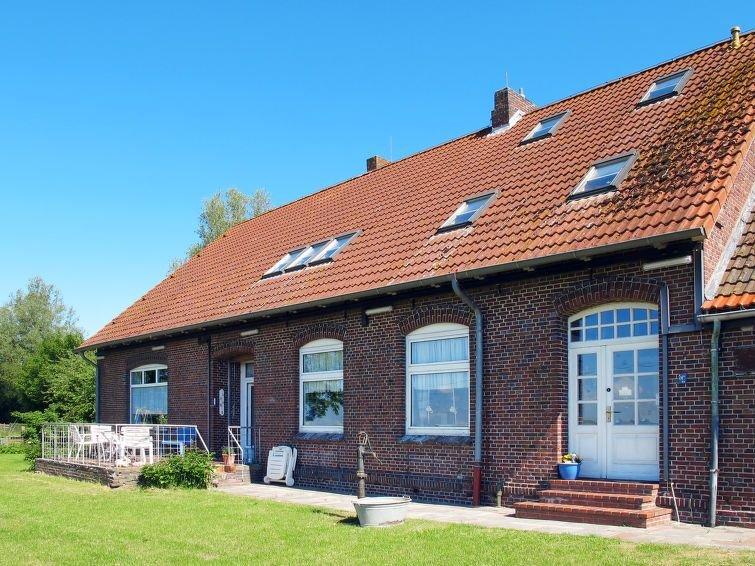 Vacation home Alte Schule Berdum  in Carolinensiel, North Sea: Lower Saxony - 1, location de vacances à Wittmund