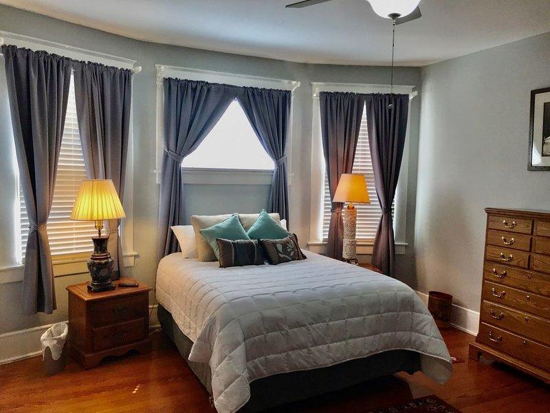 Spacious Historic East Dallas Home-Weekly & Monthly Discounts!, location de vacances à Mesquite