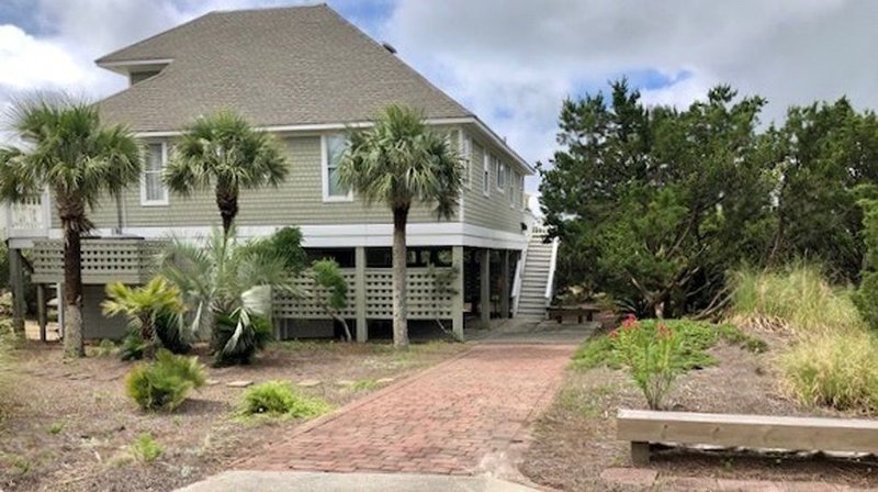 Brand new to VRBO - Large, Newly Remodeled Home with Ocean Views, vacation rental in Bald Head Island