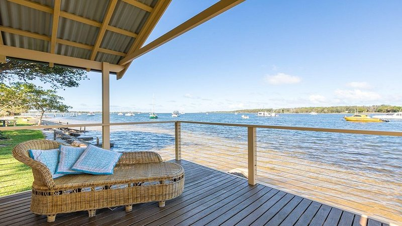 Blue Water - riverfront location, holiday rental in Nowra