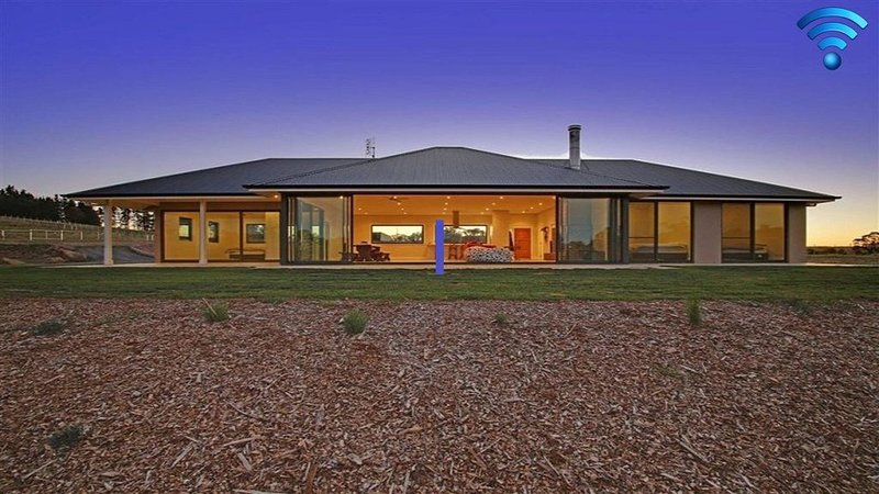 The Junction - contemporary, wildlife sanctuary, holiday rental in Marulan