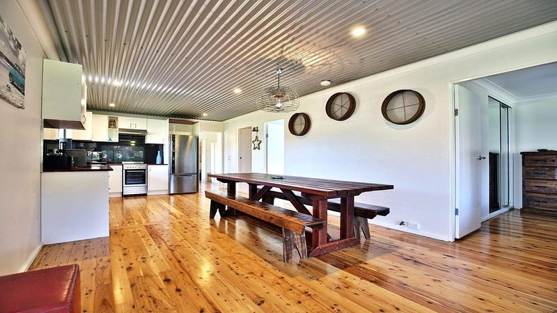 The Lobster Pot - great outdoor eating area, vacation rental in Shoalhaven
