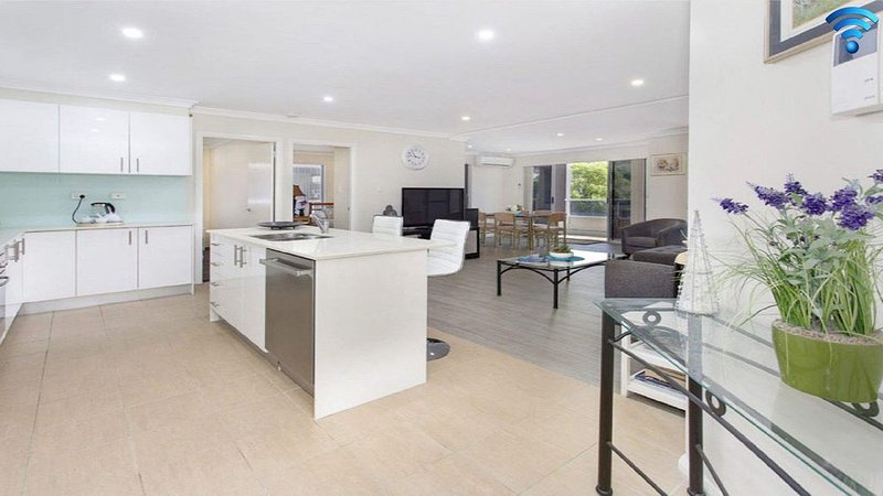 Rosebank on Terralong - SPECIAL OFFER-pay for 2 nights, 3rd FREE!, holiday rental in Kiama